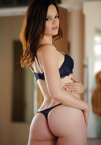 Hot hindi actress boobs