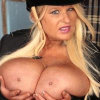 Sammy Sanders huge tits