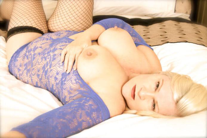 Hot Gilf Lacey Starr!